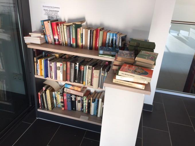 Bücherregal VHS