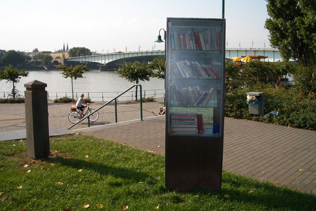 books outdoor Beuel 1_1200x800px